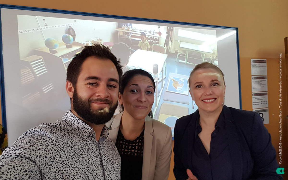Pierre, Océane et Stéphanie, ouvrent la première cession de formation pour une pédagogie plus axée sur l'autonomie des enfants à Lomé.