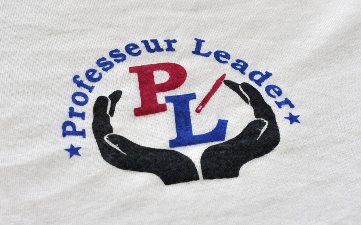 Logotype de l'association Professeur Leader floqué sur les tee-shirt de ses membres.