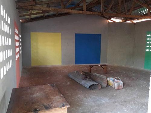Construction d'une classe dans le Complexe scolaire Ulysse (Togo).